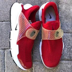 "Nike Sock Dart ""Gym Red"""